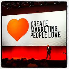 Create marketing people love man op podium Smart Event Managers